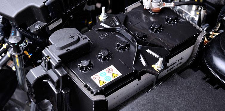 چگونه گروه باتری خودرو خود را تعیین کنید