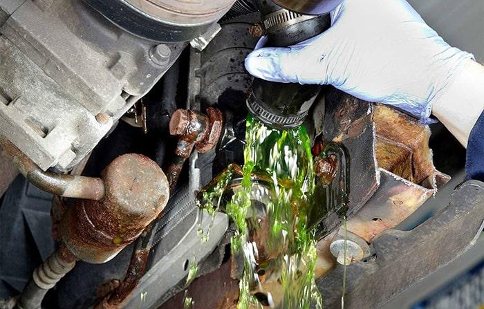 هر چند وقت یک بار باید مایع ضد جوش یا ضد یخ خودرو را عوض کنم؟