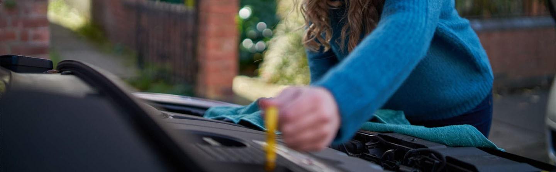 چه میشود وقتی بیش از حد در ماشین تان روغن می ریزید؟